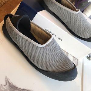 Mahabis summer shoes size 9